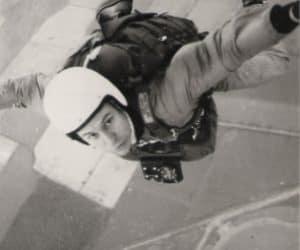 Rob Noble-Nesbitt exiting a Cessna 172 over Sunderland 1970